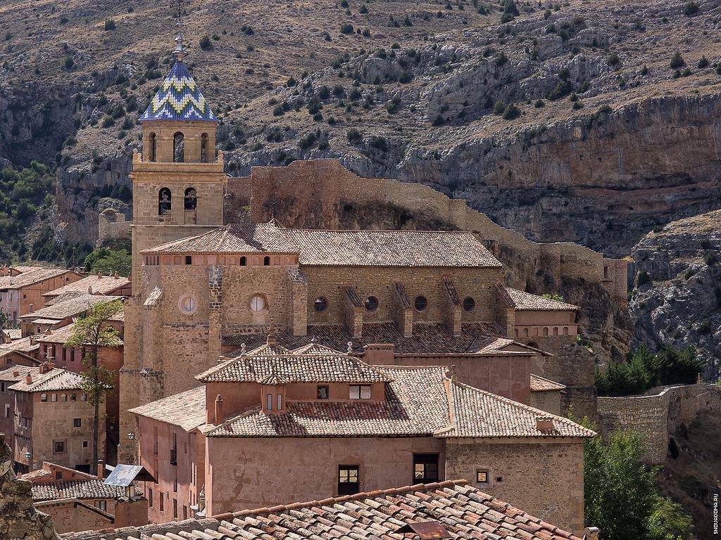 Обои дома, высота, городок, крыши, строение, вид, скала. Города foto 15