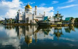 Мечеть Султана Омара Али Сайфуддина, Бруней — обзор