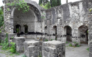 Цандрыпшский храм, Абхазия — обзор