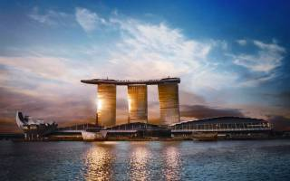Бассейн в отеле Marina Bay Sands, Сингапур — обзор