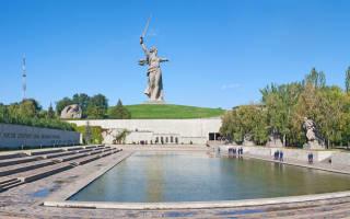 Скульптура «Родина-мать зовёт!», Россия — обзор
