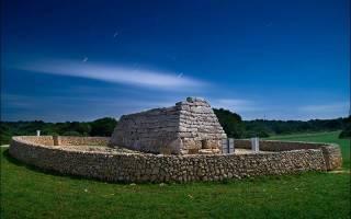 Гробница Навета-де-Тудонс, Испания — обзор