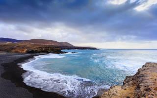 Черный пляж Паналу, США — обзор