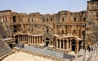 Амфитеатр в Босре, Сирия — обзор