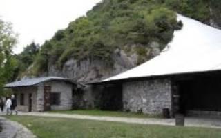 Пещера Эль-Кастильо, Испания — обзор