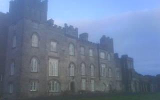 Замок Дансоли, Ирландия — обзор