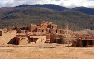 Индейское поселение Таос-Пуэбло, США — обзор