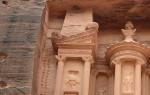 Храм Эль-Хазне, Иордания — обзор