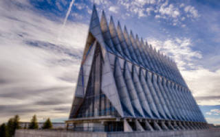 Часовня академии ВВС, США — обзор