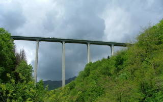 Мост Ponte Colossus, Италия — обзор