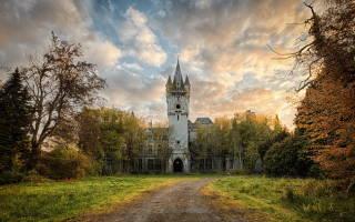 Замок Миранды, Бельгия — обзор