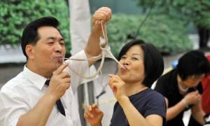 Живой осьминог Саннакчи, рестораны Сеула, Корея — обзор