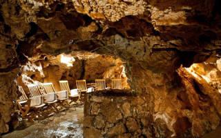 Баня в пещере Джусти, Италия — обзор