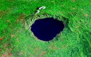 Кратерное озеро Босумтви, Гана — обзор